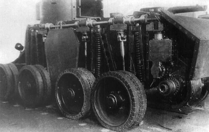 Танк БТ-5-ИС во время сборки