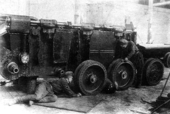 первого танка БТ-2-ИС.