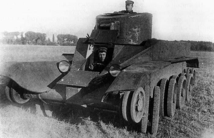 испытания танка БТ-2-ИС.