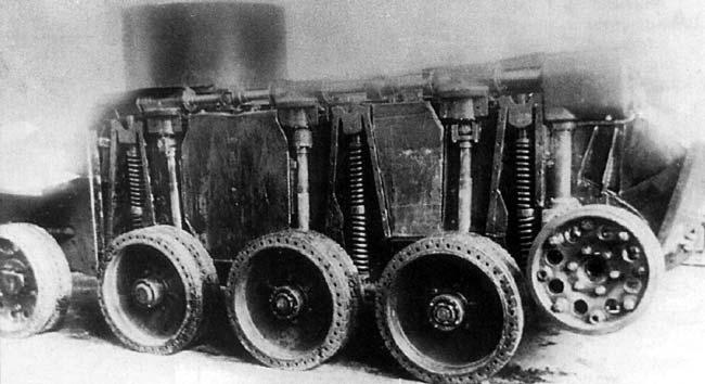 Танк БТ-2-ИС со снятыми